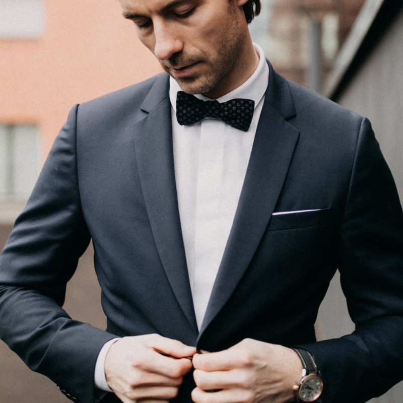 e1e81d15d5ed Dark blue Apple Blossom Japanese Bow tie
